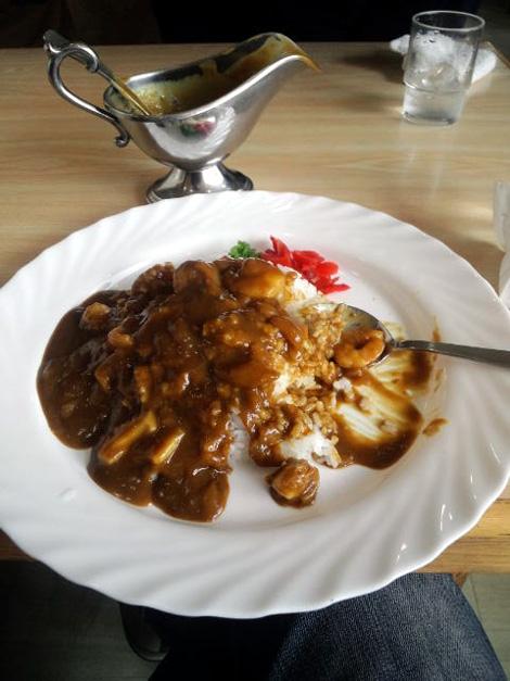 シーフードカレーが今日の昼飯